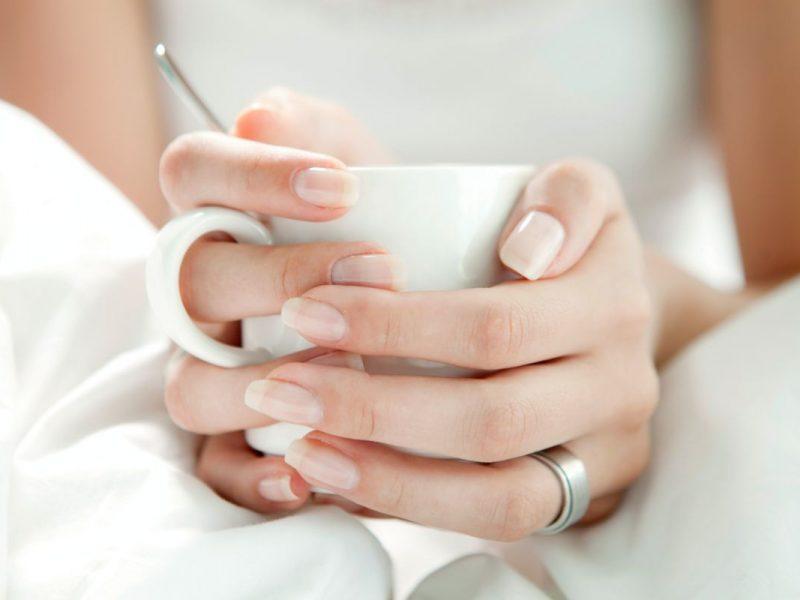 Pravidelné zvlhčovanie nechtov alebo čo ďalšie pomôže k zdravším nechtom